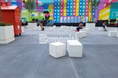 Bomanite Alloy decorative concrete was utilized for the street design and sitting area located between the two World Trade Center towers to create a connection between the two buildings, using variegated shades of gray to complement the fine reflective aggregates in the Alloy.